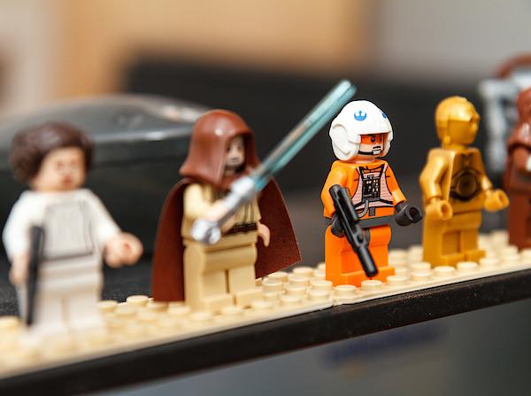 LEGO Star Wars Figuren auf meinem Monitor