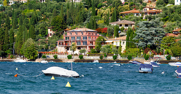 Hotels am Hang Torri del Benaco