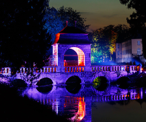 Die Barockbrücke in Lila