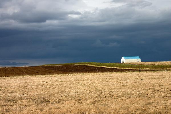 Landschaft mit Hof