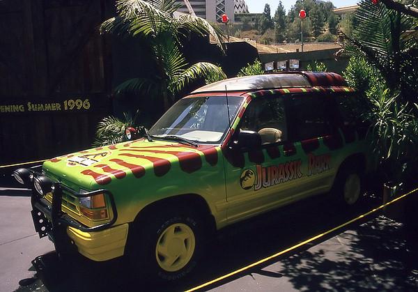 """Ford Explorer aus """"Jurassic Park"""""""