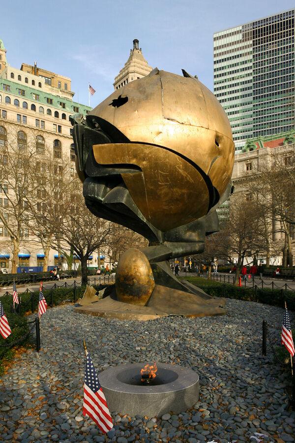 """""""The Sphere"""" im Dezember 2003"""