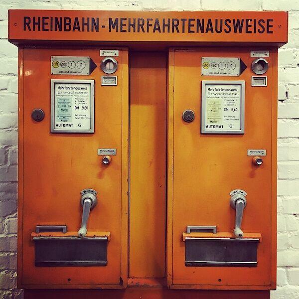 Alter Fahrkartenautomat der Rheinbahn
