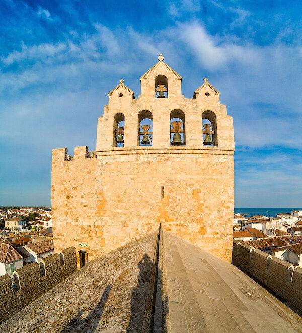 Auf dem Dache der Kirche Notre-Dame-de-la-Mer