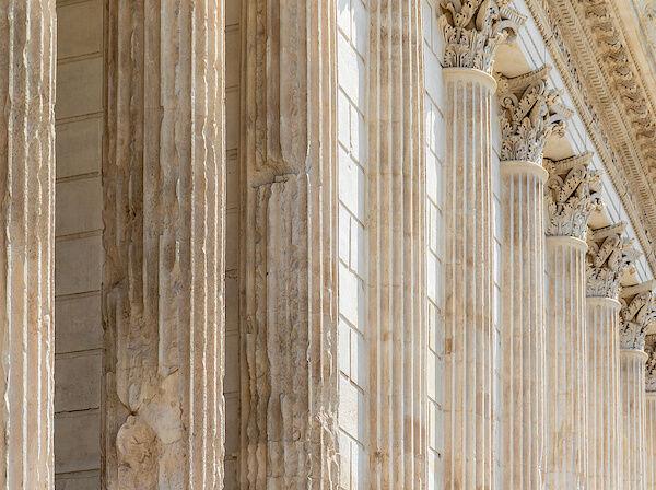 Maison Carrée – Säulen