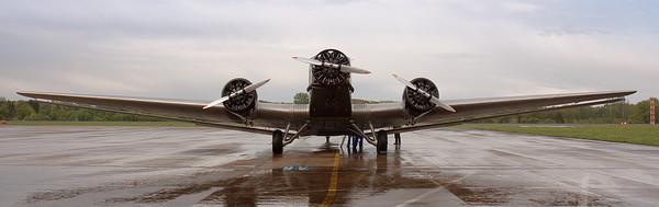 Ju 52 auf dem Rollfeld I