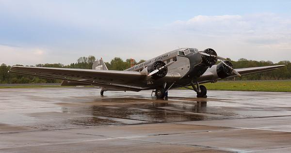 Ju 52 auf dem Rollfeld II