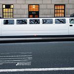 Ein Stretch-Hummer als Hover-Mobil