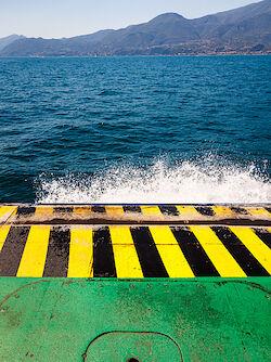 Mit der Autofähre über den Gardasee