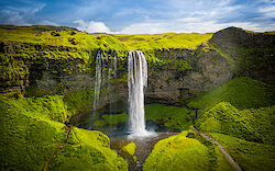 Der Wasserfall Seljalandsfoss von oben