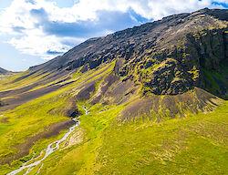 Blick mit der Drohne auf Rauðfeldsgjá