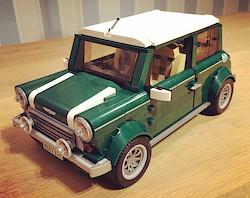 Das fertige Modell des LEGO Mini Coopers