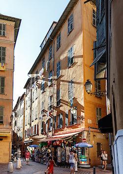 In der Altstadt von Nizza